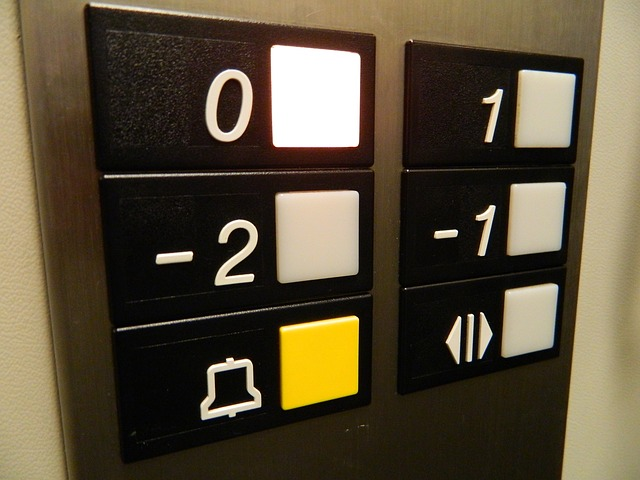 Confusing buttons labelling and arrangement. Is -2 before -1? Your guess is as good as mine.
