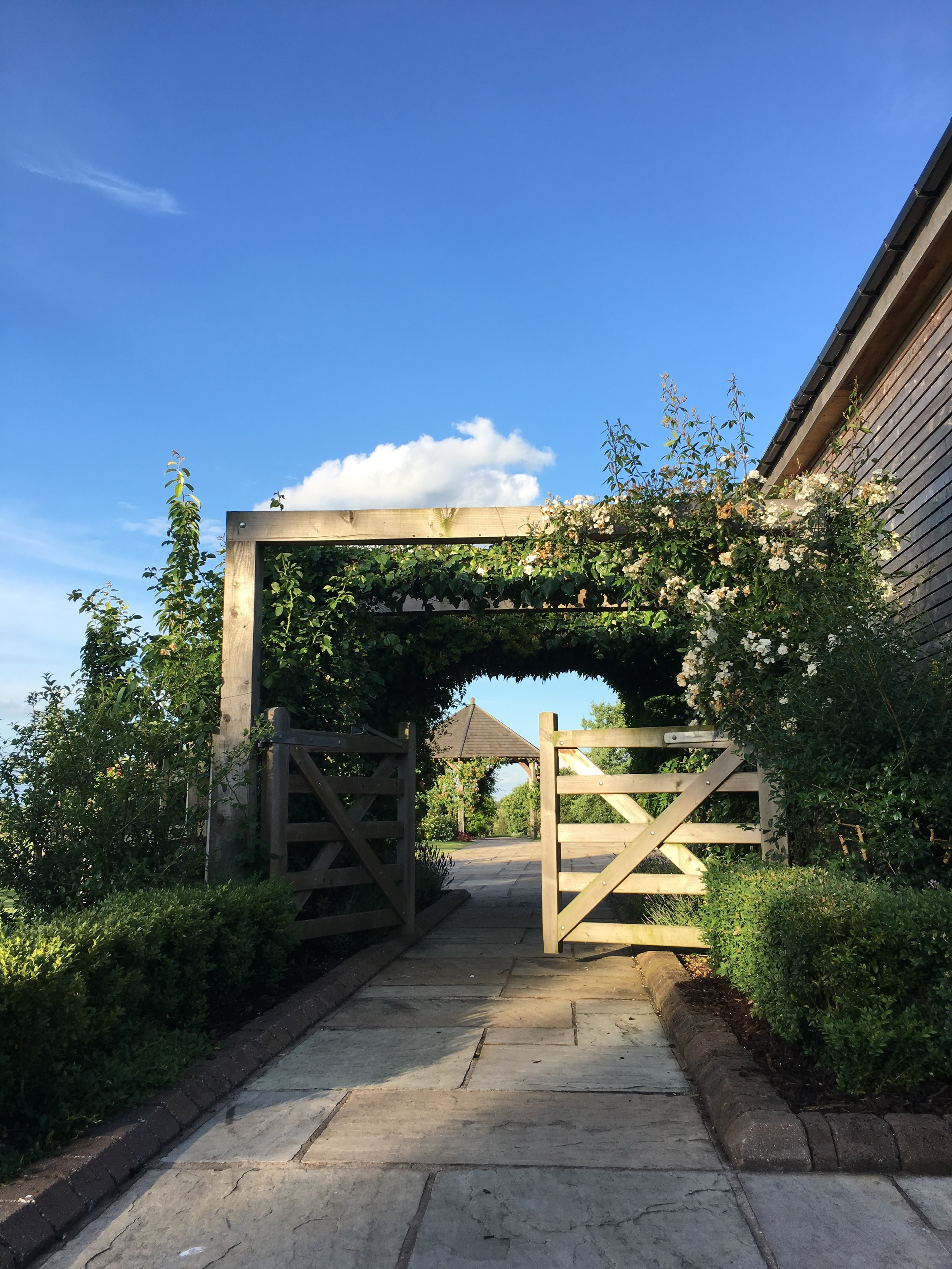 What a beautiful day for a wedding in Warwickshire!