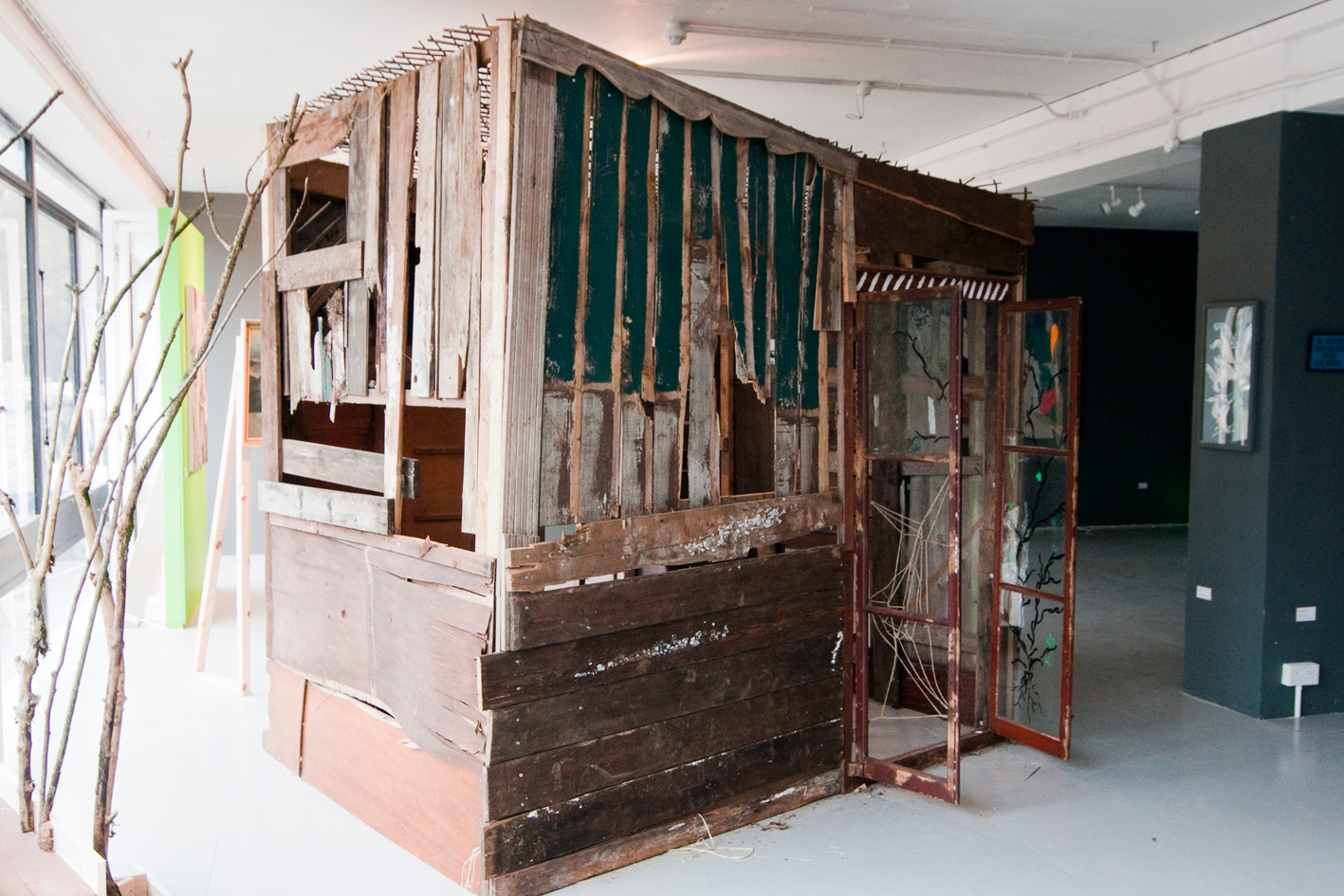 The Shed at 'Diastr' by Kate Duncan >  www.kateharmonyparker.blogspot.com