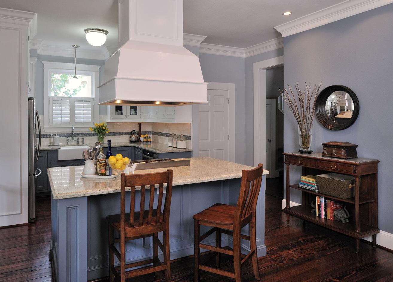 Blue and white kitchen, Designer: Carla Aston