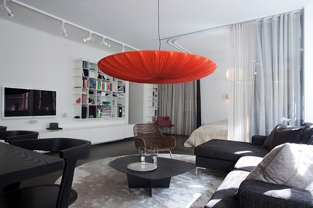 Article + Gallery ➤ http://CARLAASTON.com/designed/lighting-makes-artistic-statement When Lighting Makes A Design's Artistic Statement - Image Source: Unknown (KWs: light art, chandelier , living room)