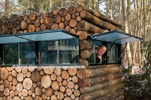 Innovative Log Cabin on Wheels in the Netherlands