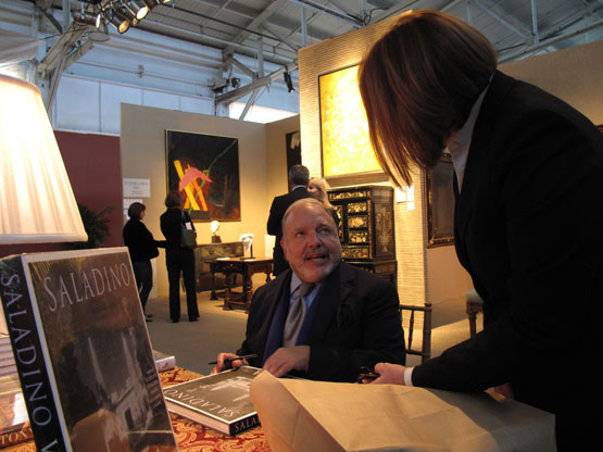910-Next-day----NY's-John-Saladino-lectures-and-autographs-his-books.jpg