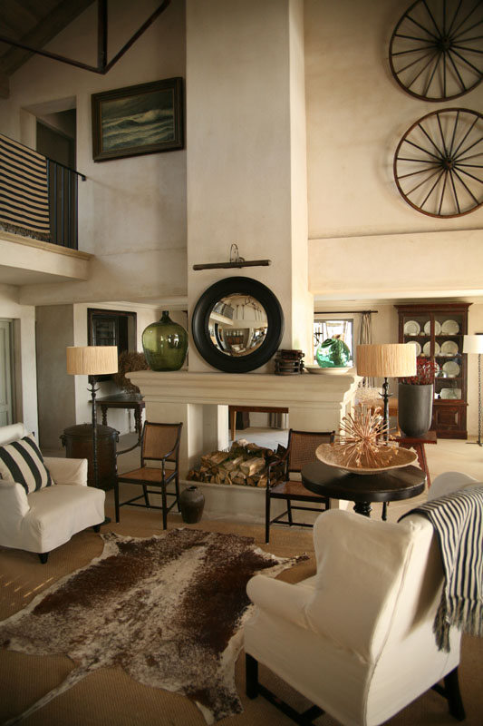 How to decorate a room with high ceilings designed - Living room with high ceilings decorating ideas ...