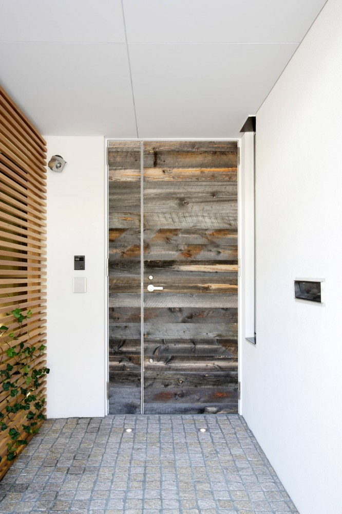 Architects:  Edward Suzuki Associates