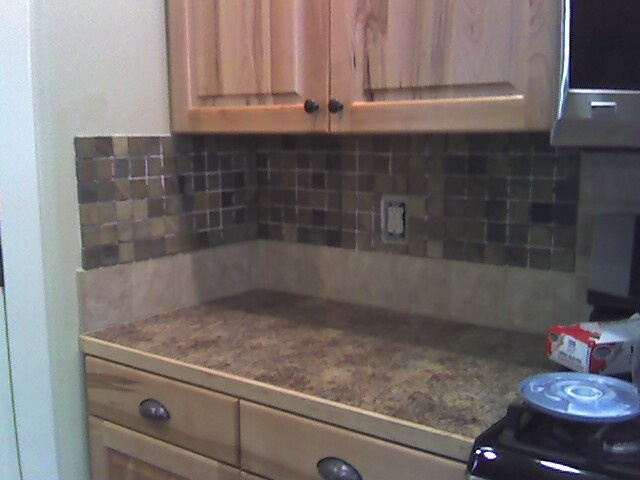 Side backsplash with awkward ending #sidesplash #tilebacksplash