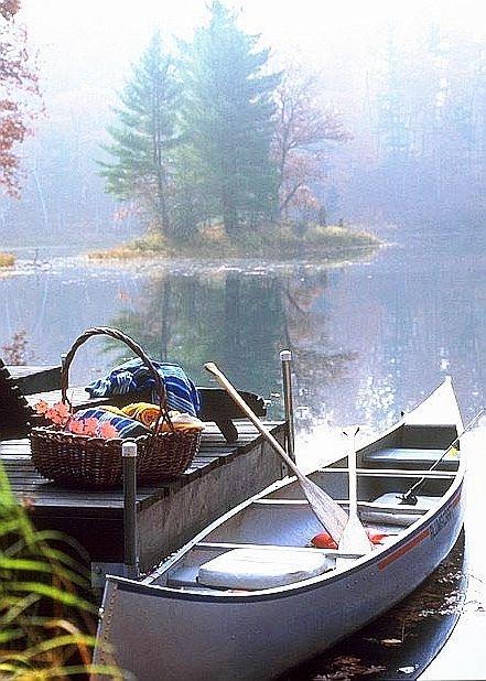 22 Summery, Serene Picnic Ideas   Image via:  Canoe Bay