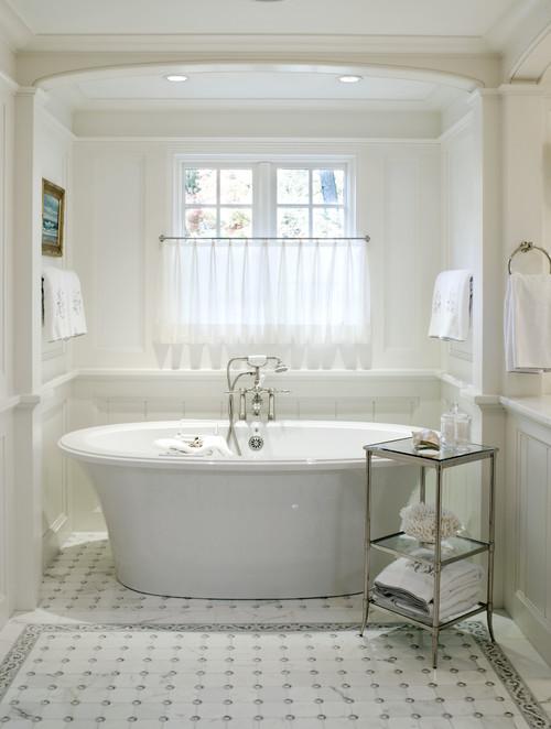 Cafe curtain in master bath over tub #cafecurtain