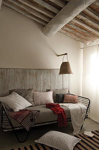 Metal framed daybed | Image via:  Cote Maison  #daybed