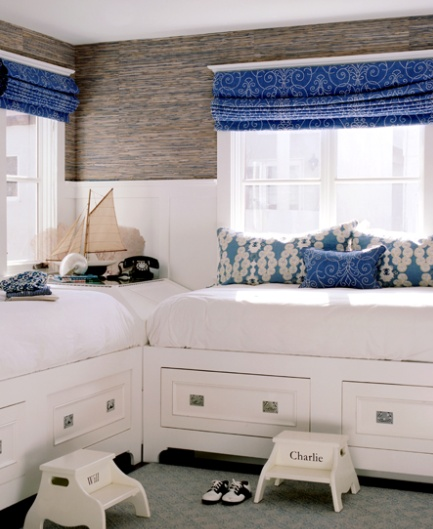 Built-in daybeds with storage drawers | Designer:  Waterleaf Interiors , Image via:  Elements of Style blog  #daybed