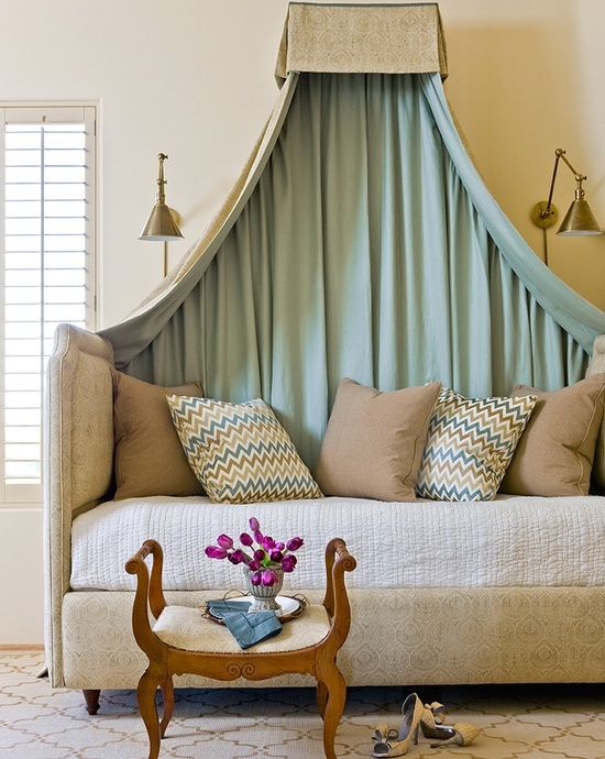 Beautiful upholstered daybed with canopy | Designer:  Amy Meier  #daybed #canopybed #upholstereddaybed #bedroomdecor