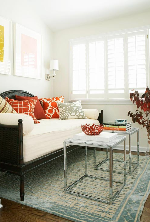Daybed makes for comfy seating | Image Source:  BHG.com  #daybed
