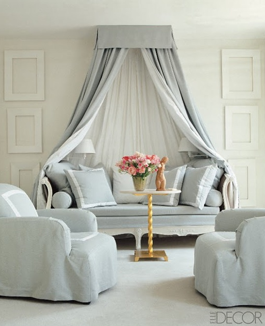 Elegant daybed with canopy | Designer:  Vicente Wolf , Photo by: Pieter Estersohn #daybed