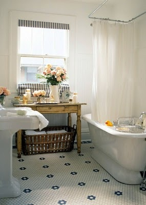ARTICLE + GALLERY: 11 Mosaic Tile Floors Shining w/ Vintage Style