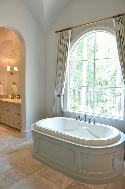 Bathtub Tip: Surround Yourself w/This Space Creator & Breathe Deeper While Under Water
