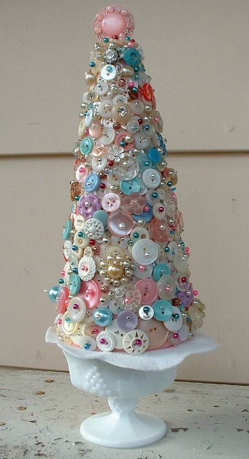 Jewelry Christmas Trees.Remember The Beautiful Bits And Bobs Of Grandma S Jewelry