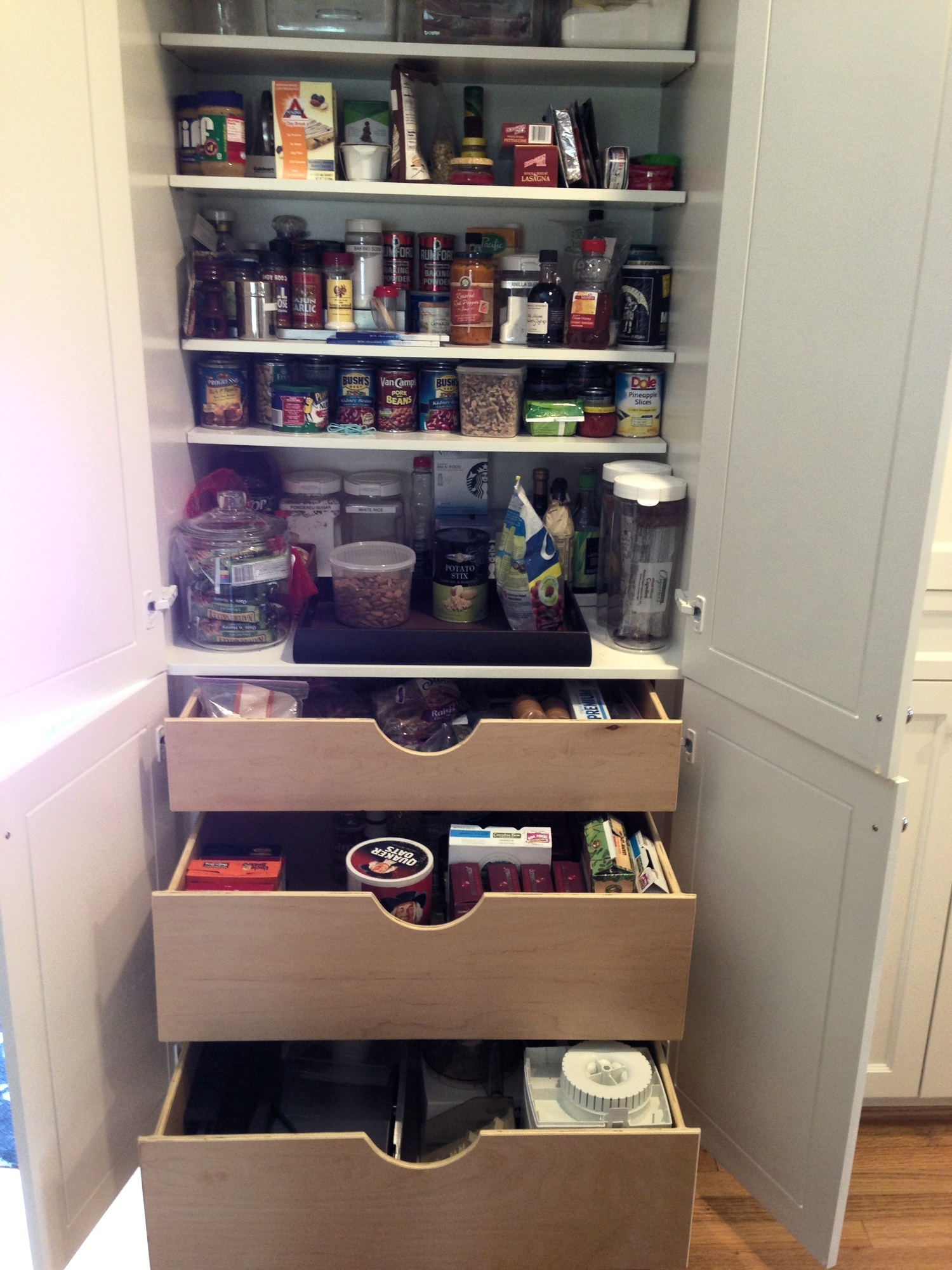 The Best Kitchen Space-Creator Isn\'t A Walk-In Pantry, It\'s ...