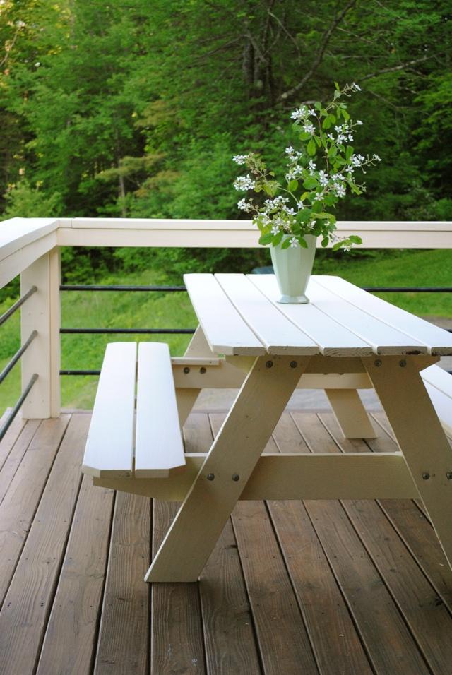 Vintage picnic tables | Image via:  Little Dog Blog