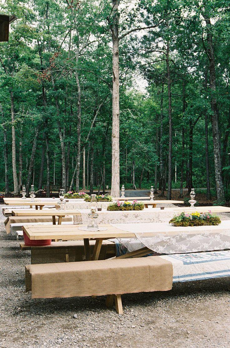 Vintage picnic tables | Image via:  doubiany