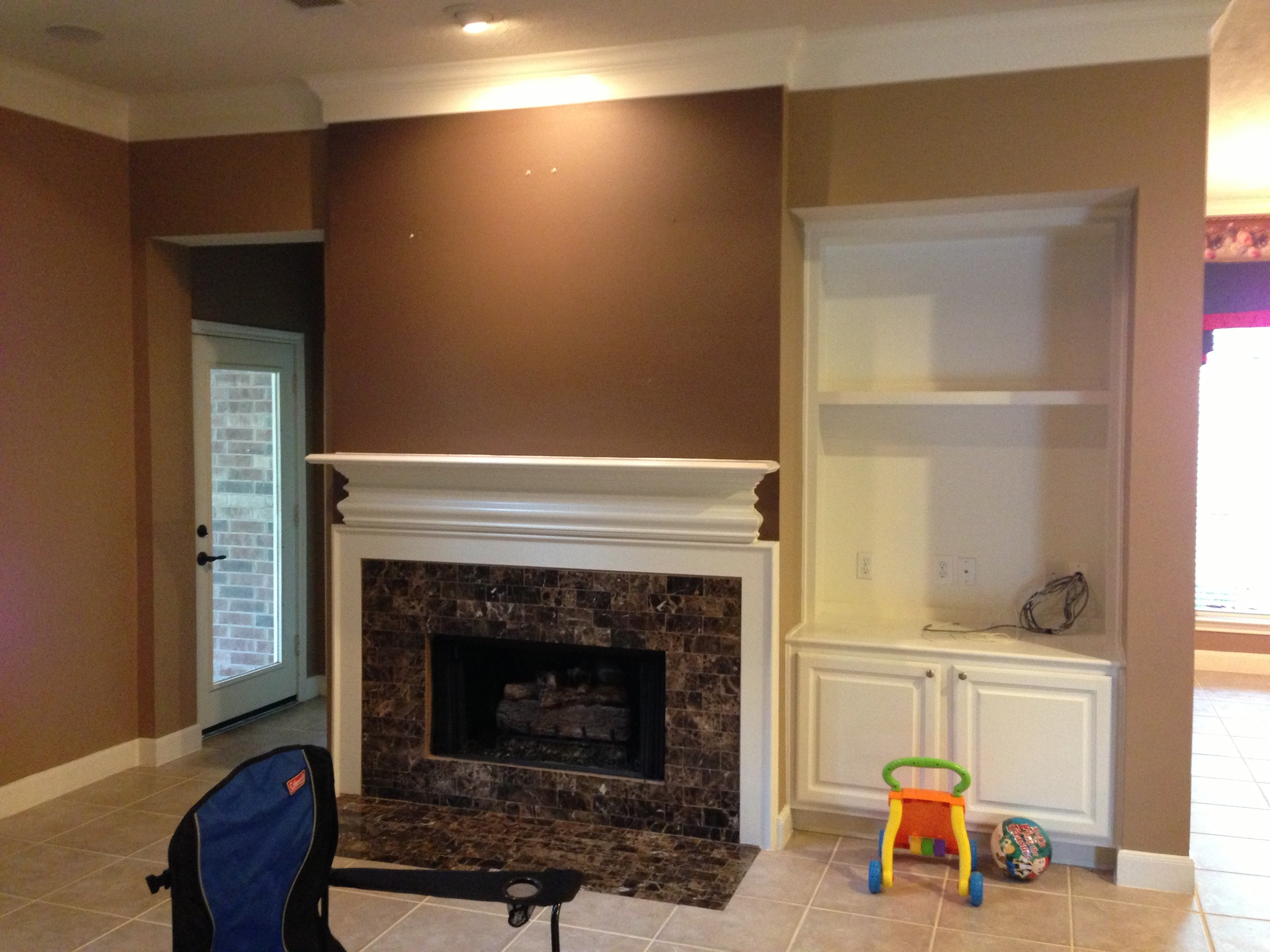 Before remodel of fireplace.JPG