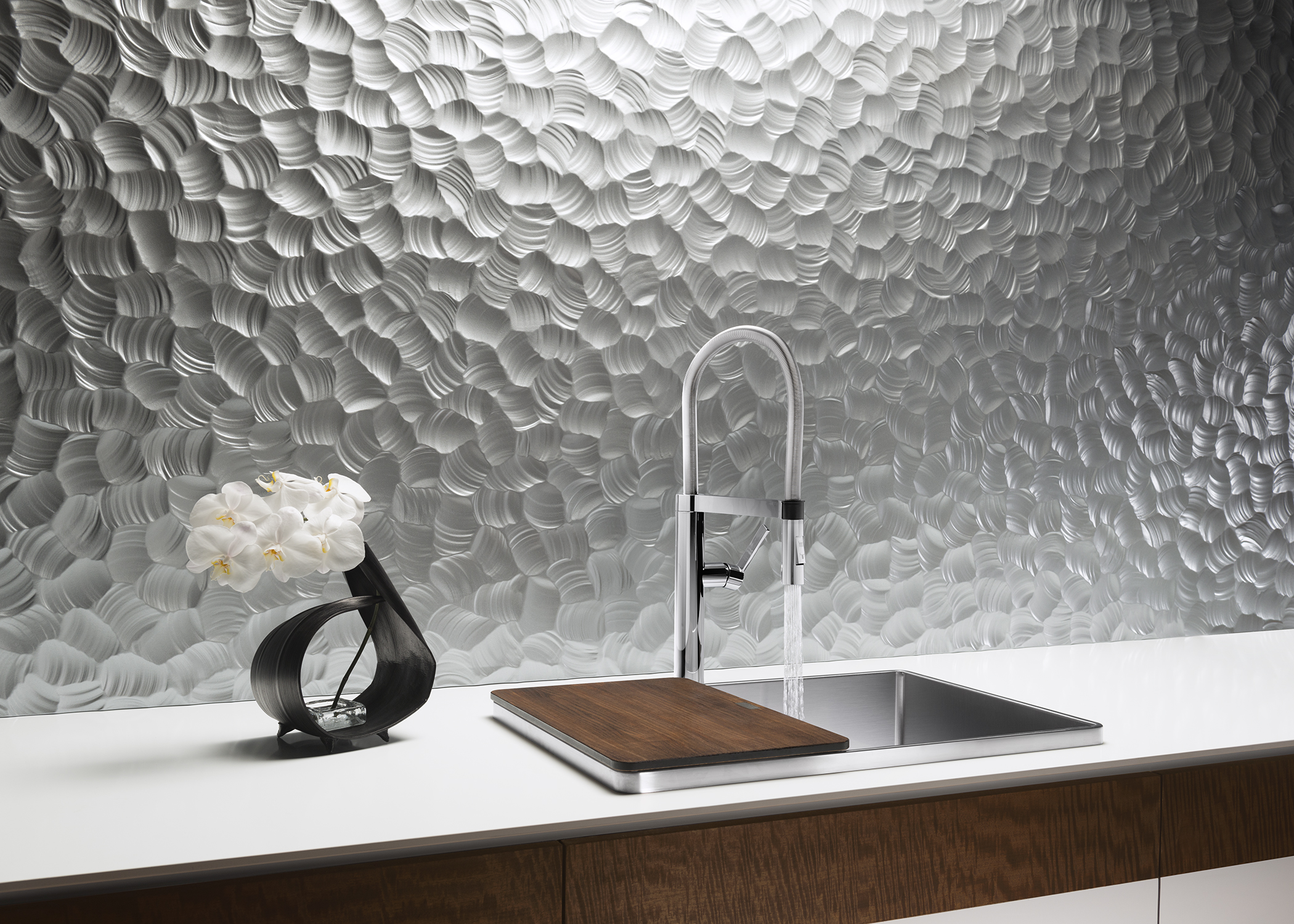 Best of #KBIS2015: BLANCO'S ATTIKA Stainless Steel Sink with walnut cutting board | Modenus' #BlogTourVegas at the Kitchen and Bath Industry Show (#KBIS2015)