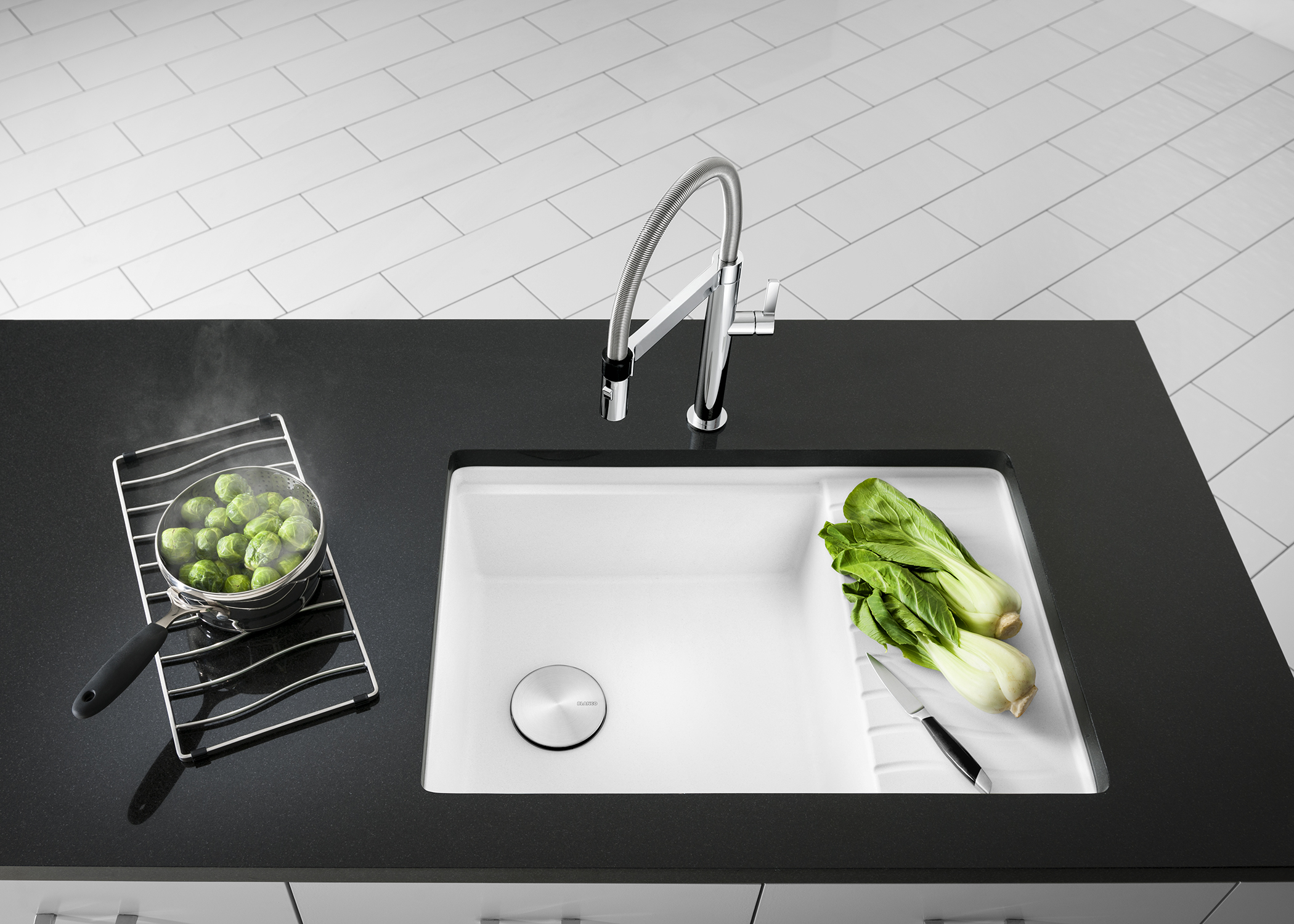 Best of #KBIS2015: MUST-HAVE: BLANCO's Luxury Sinks, Faucets, and Accessories / kitchen| Carla Aston reporting from Modenus' #BlogTourVegas | Image via: BLANCO.com