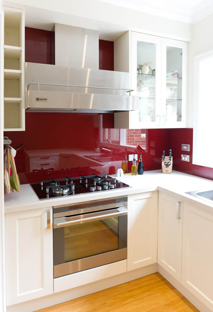 kitchen backsplash, stove, oven, sink, cabinets |Image source:  style hunter collective
