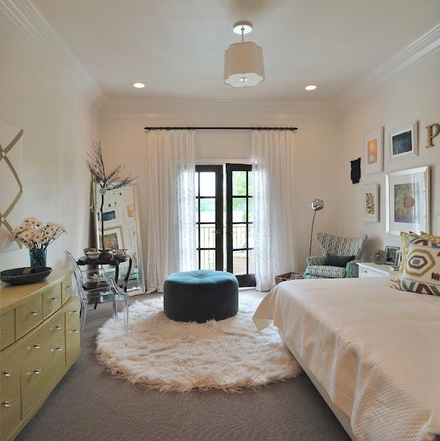 Teenage girl bedroom, Designer: Carla Aston