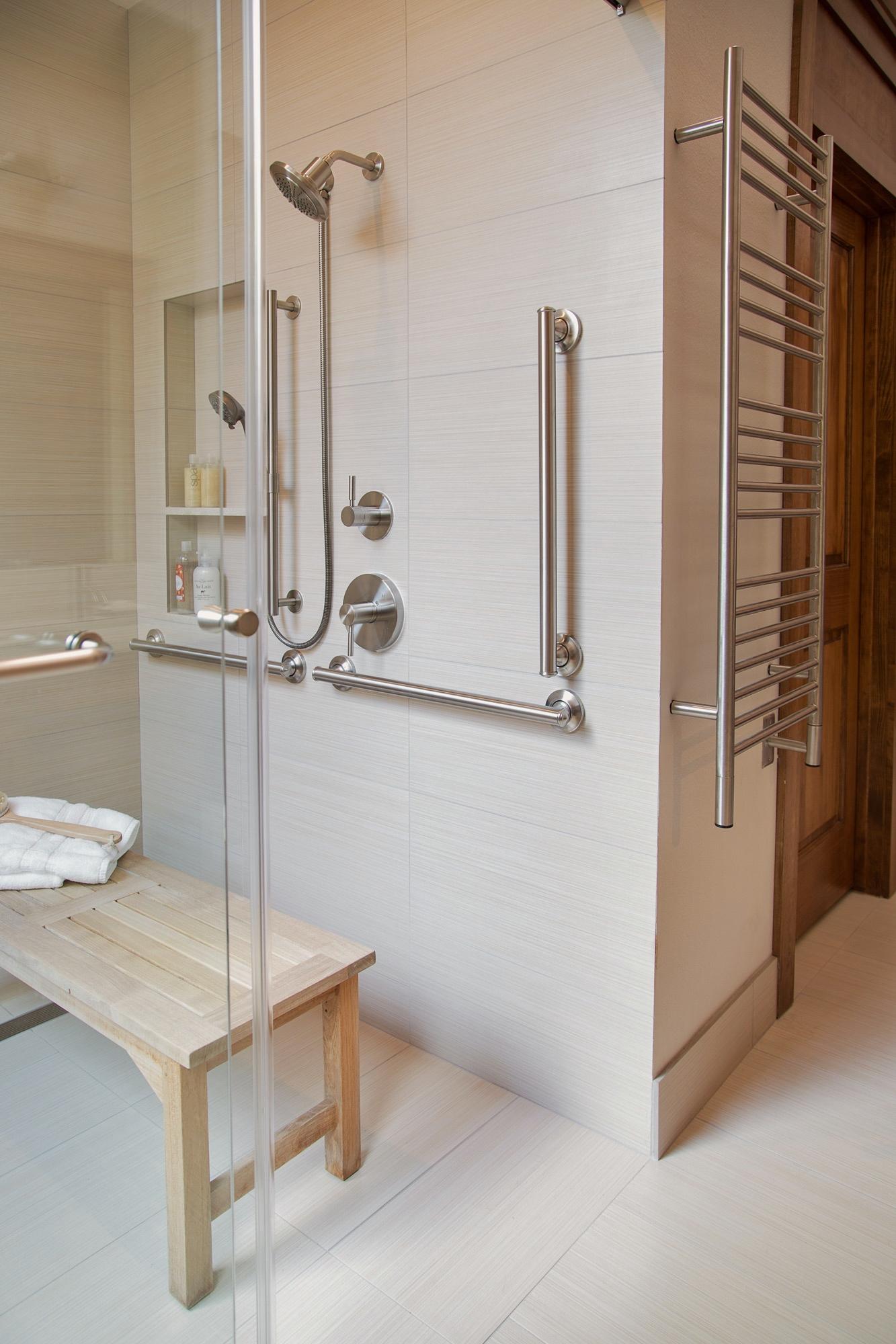 Accessible master bath, Designer: Carla Aston