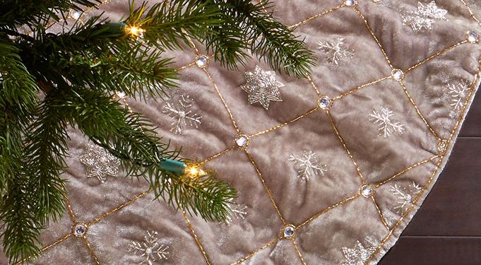 Metallic Christmas Tree Decorations.10 Must Have Indigo Silver Christmas Tree Decorations