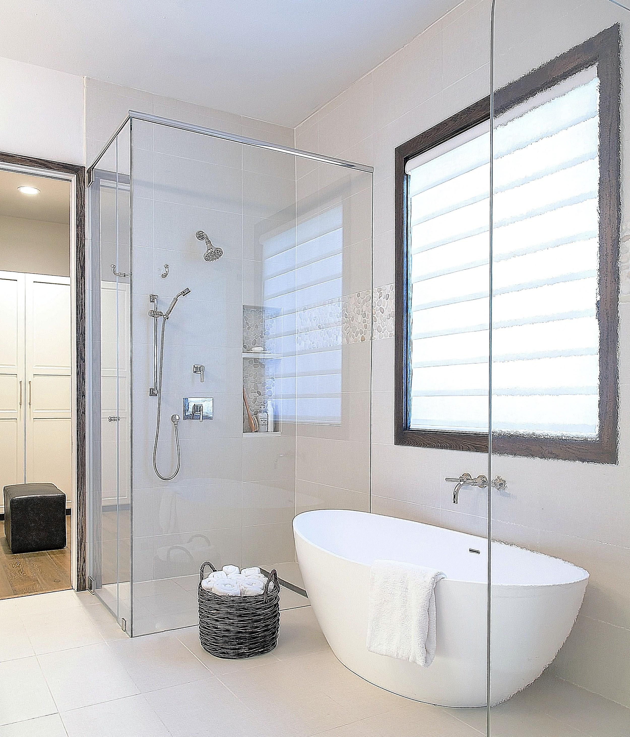 Bathroom design trends  Designer: Carla Aston, Photographer: Tori Aston #bathroom #bathroomideas #bathroomremodel