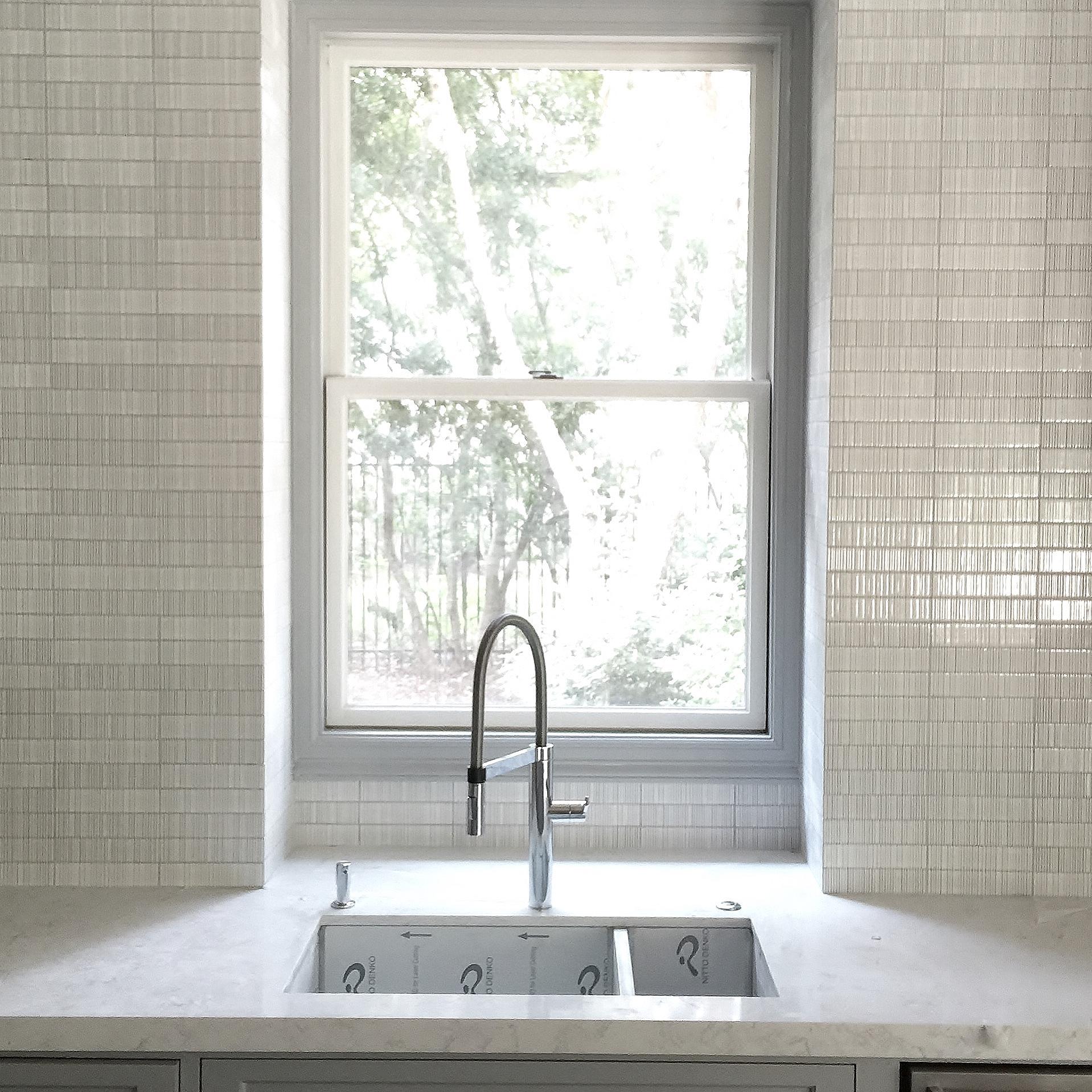 Don T Leave Your Kitchen Backsplash Hanging In Midair Designed