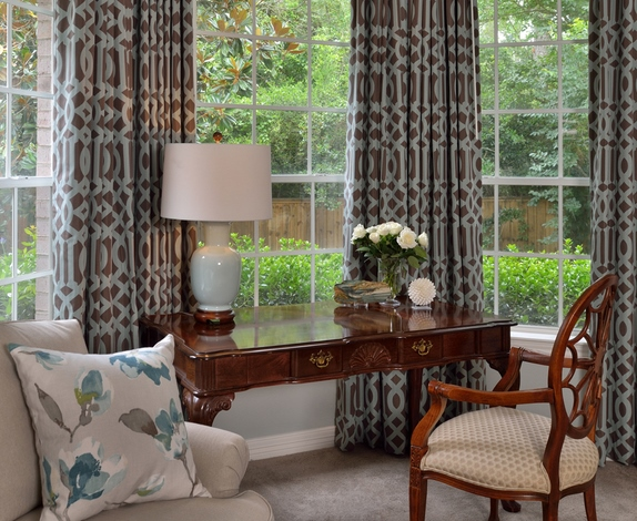 Operable drapery in bay window with patterned fabric | Carla Aston, Designer #windowtreatment #drapery