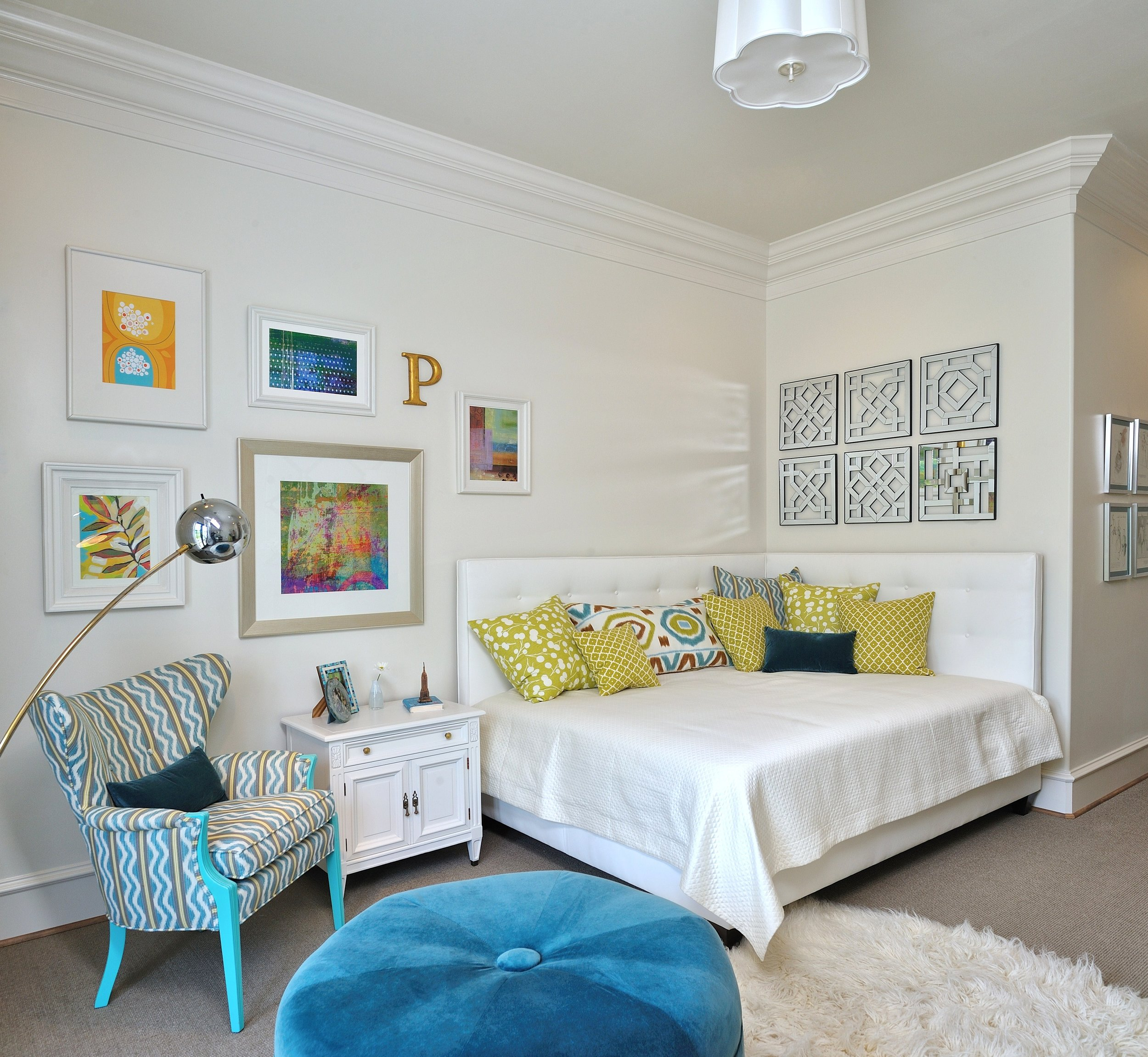 MUST-SEE: Showhouse Bedroom For a Teen Girl    - Designer - Carla Aston, Photographer - Miro Dvorscak #pillows #sofapillows