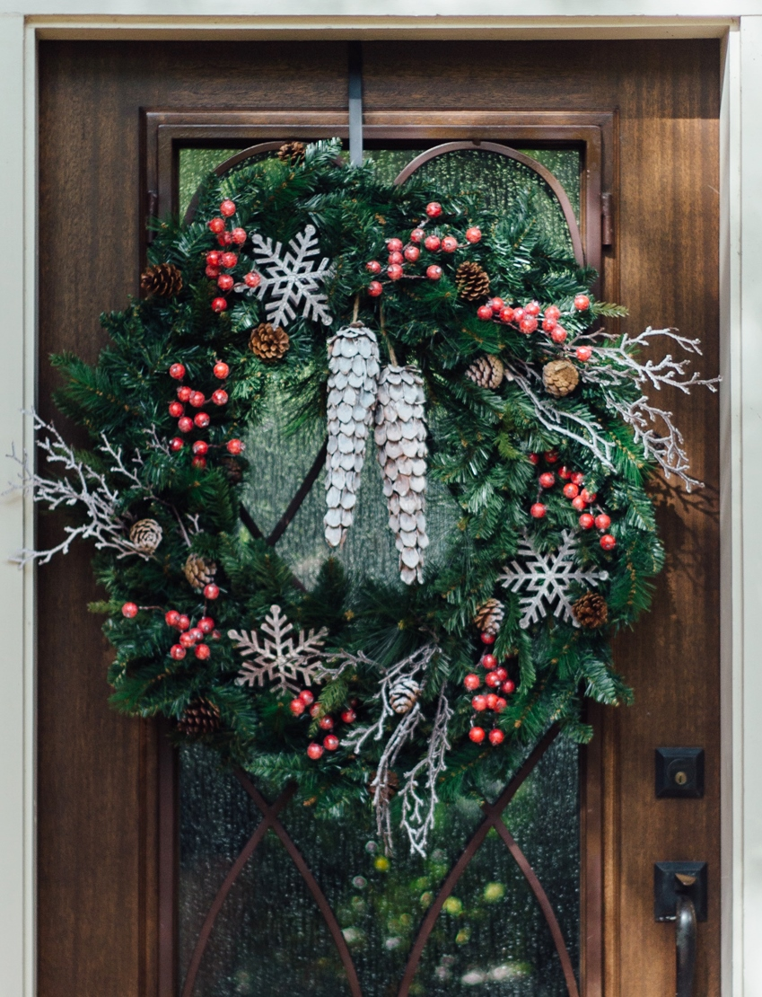 DIY Woodland Christmas Wreath - Carla Aston, Photographer: Tori Aston