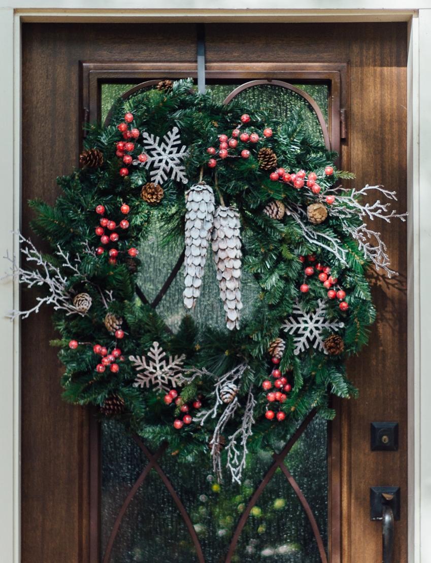 DIY Christmas Wreath  - Carla Aston