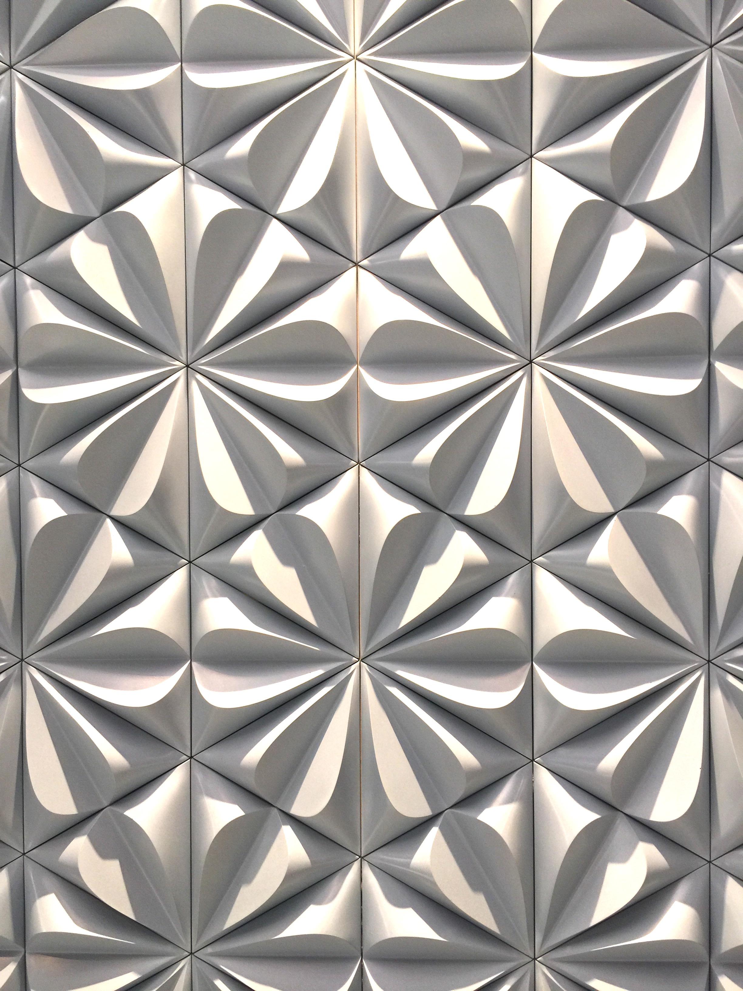 Walker Zanger's Kaza collection tile, seen at KBIS 2016