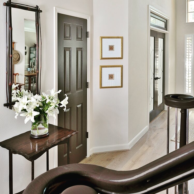 Sherwin Williams Aesthetic White on walls and mouldings | Designer: Carla Aston