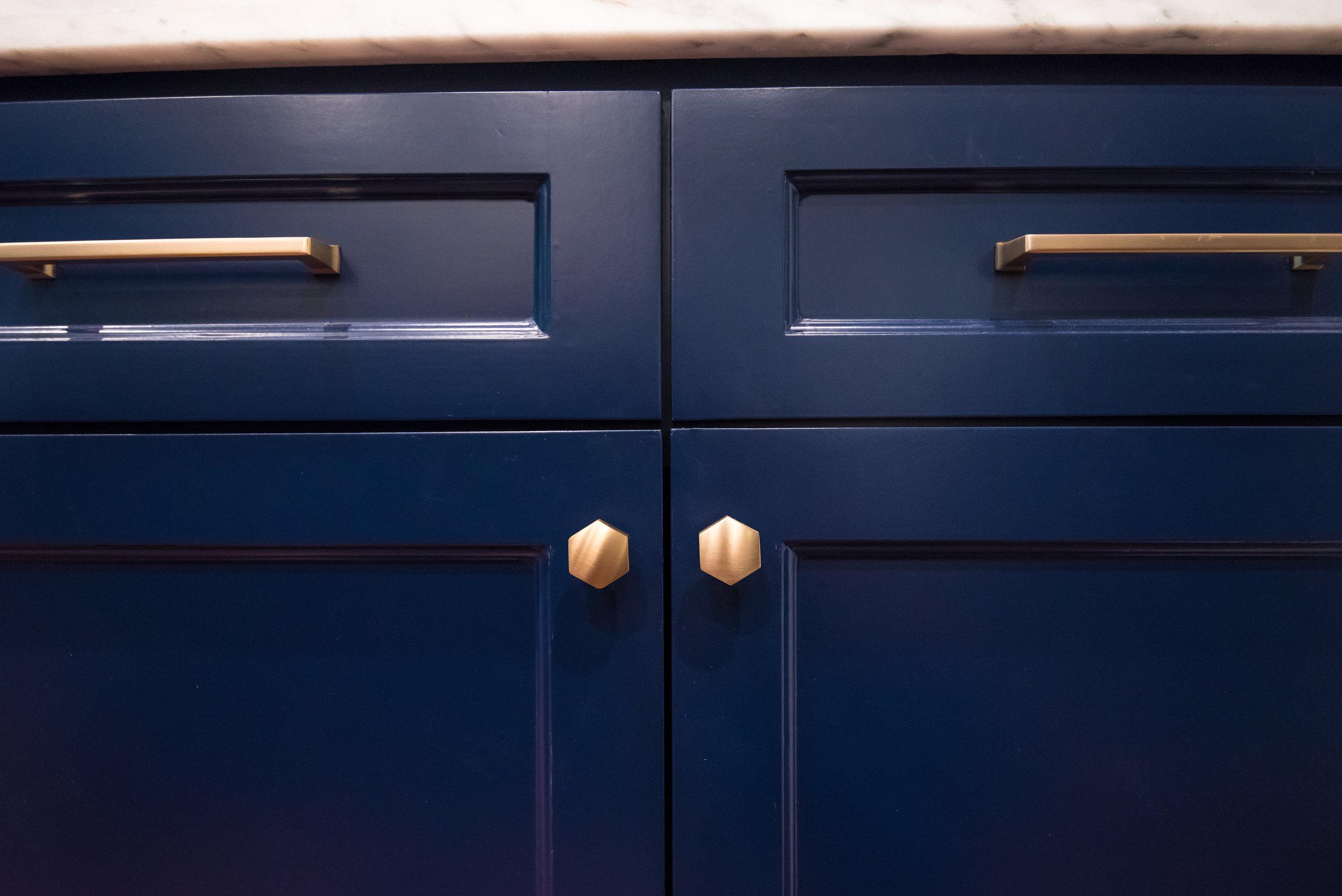 Navy cabinets with brass hardware - Carla Aston Designer, Lauren Giles Photographer