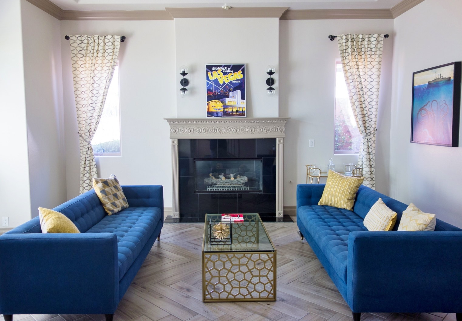 How to make this fireplace more modern? Check out my advice. #fireplace #modernlivingroom #livingroom #livingroomideas #tiledfireplace