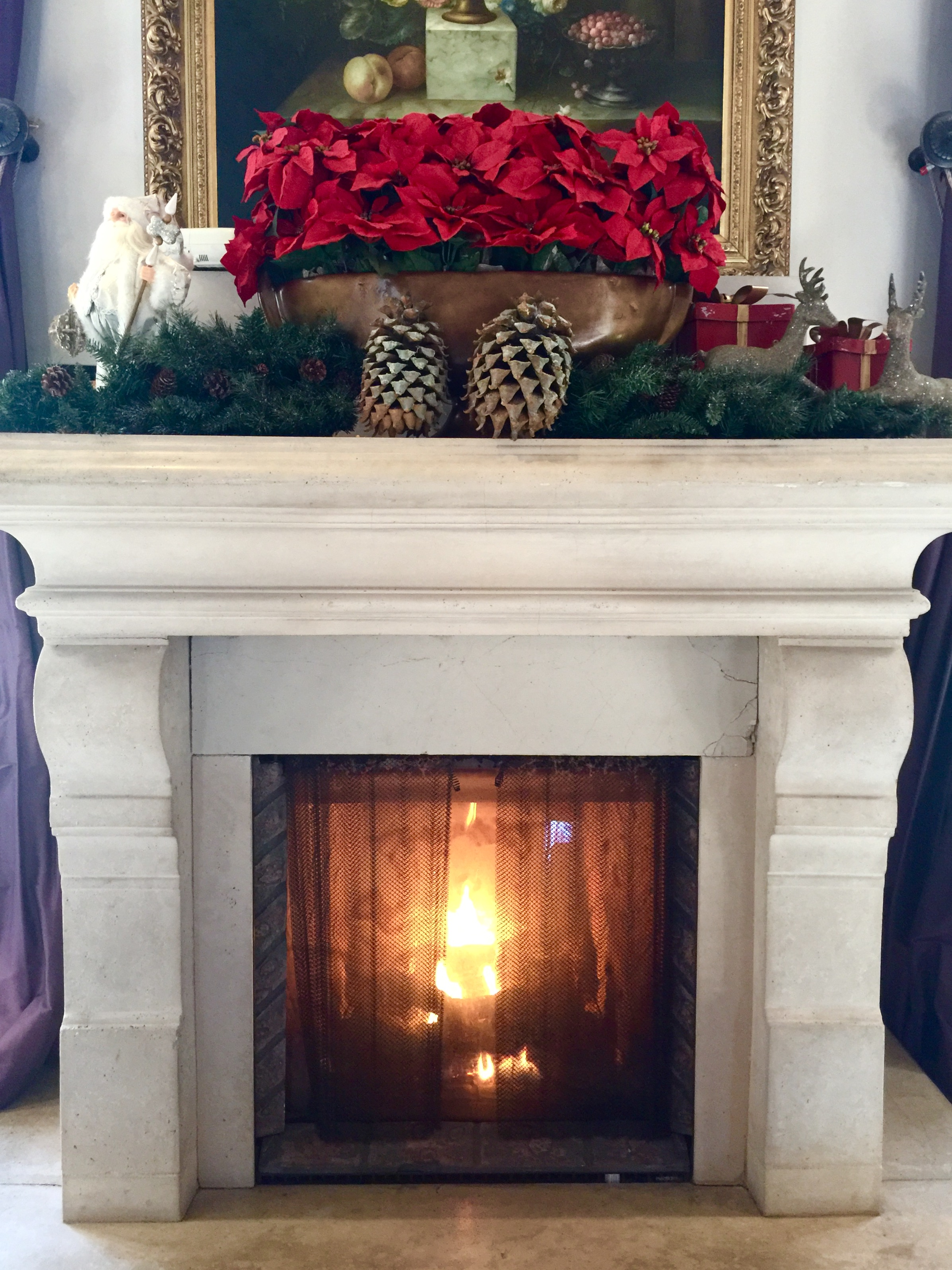 Fireplace Christmas decor - The Culver Hotel, Los Angeles