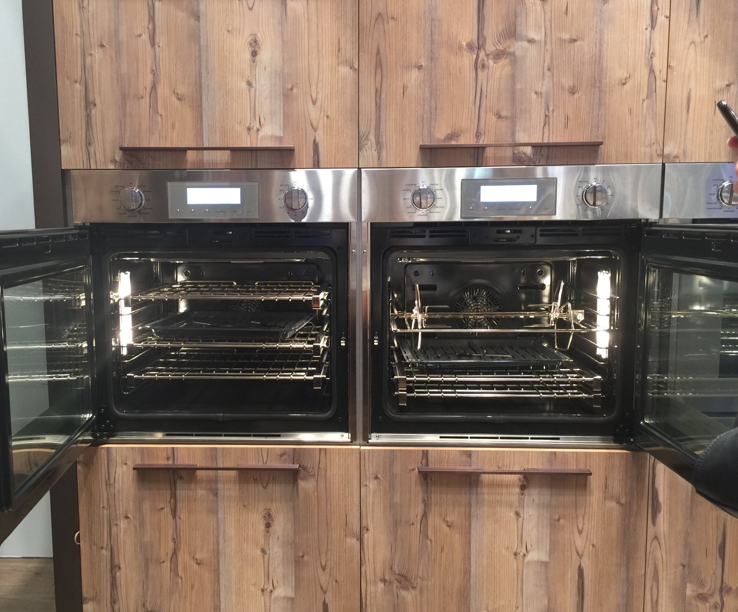 Side door opening ovens from Thermador #oven #thermador
