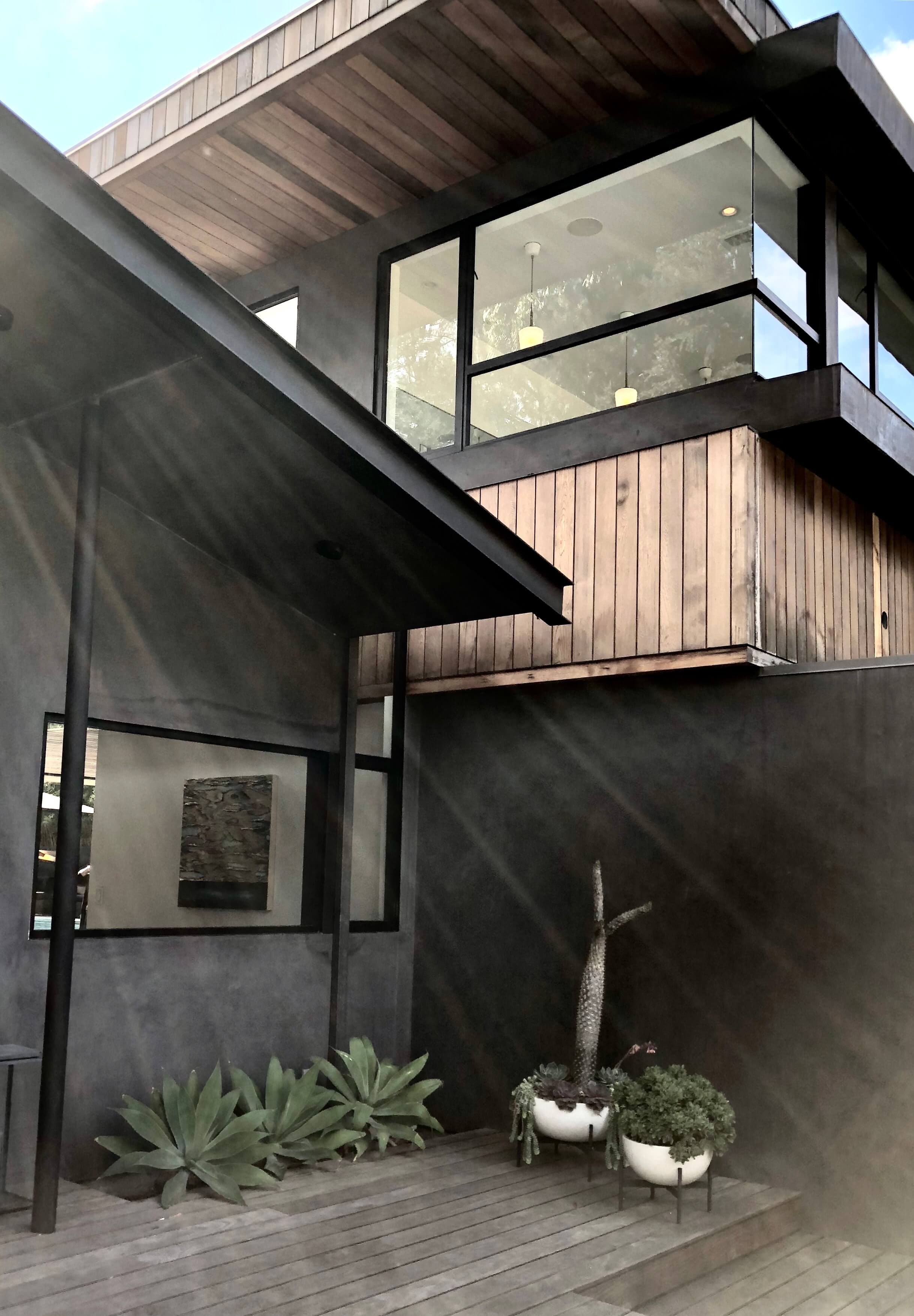 Front exterior, curb appeal - Assembledge+ Architects, Dwell on Design, Los Angeles, California #blackhouse
