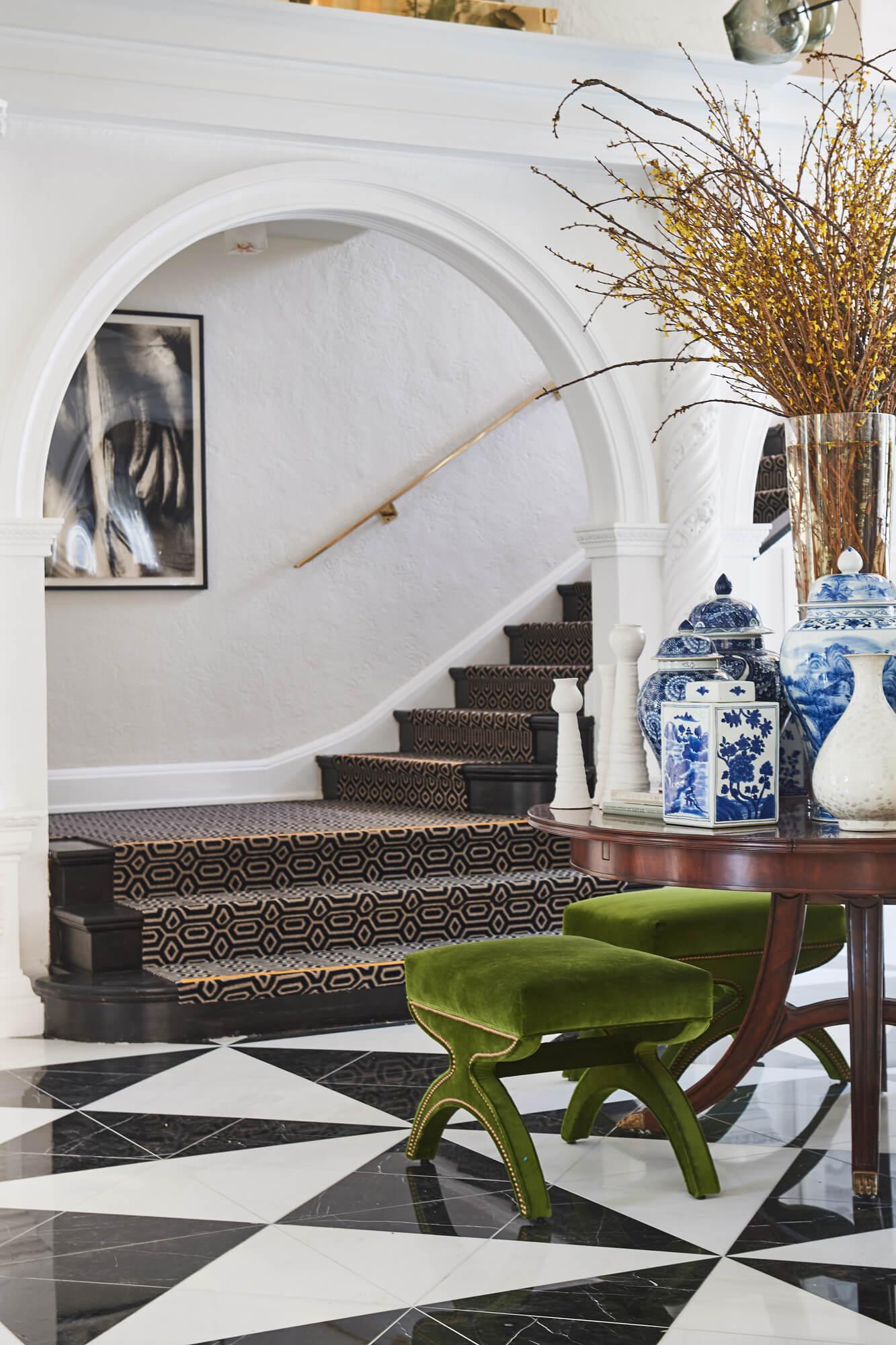 Pasadena Showcase House of Design Entry Hall - Designer: Amy Peltier, Photographer: Peter Christiansen Valli #foyer #entryhall