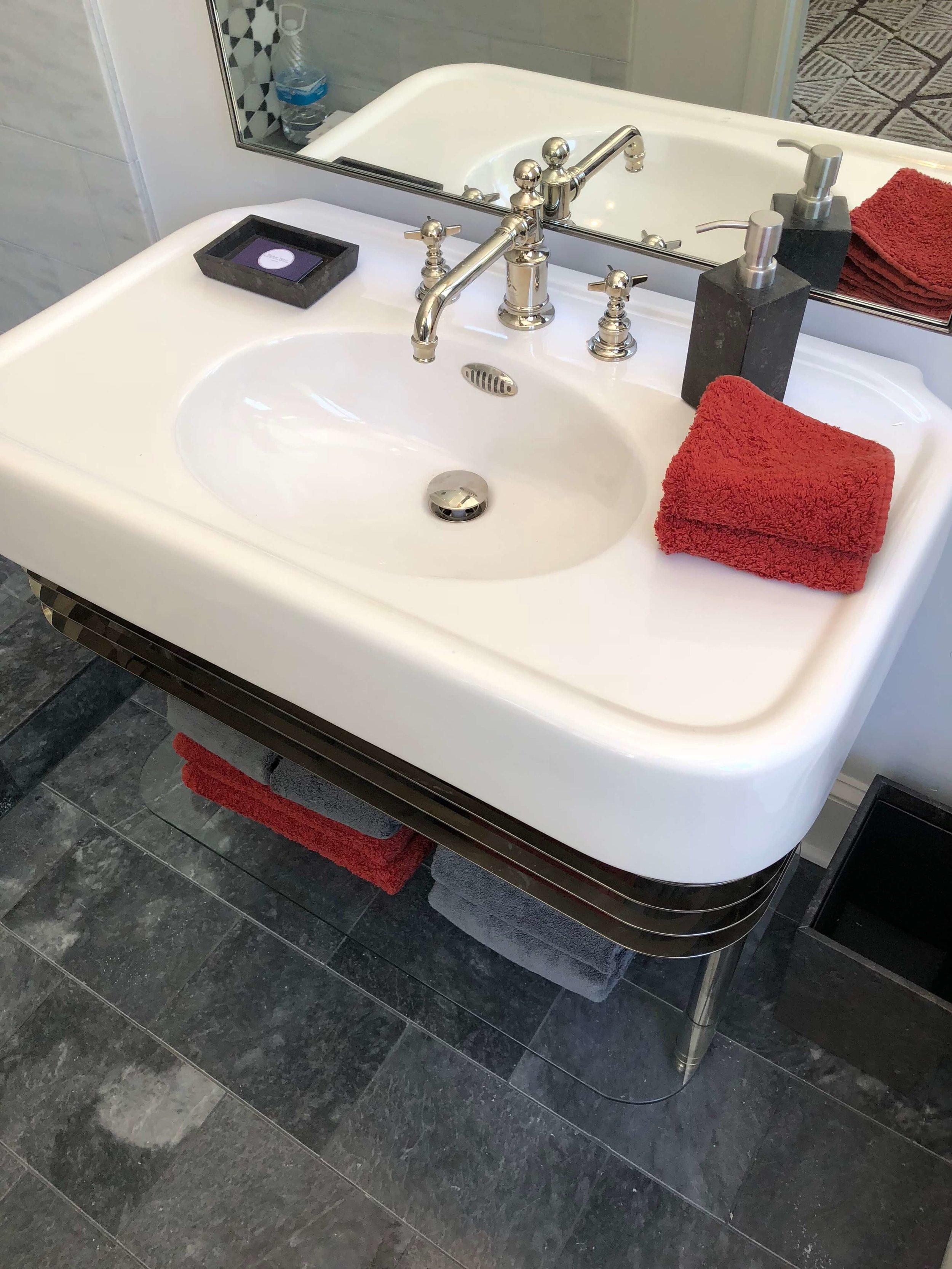 Bathroom vanity - Designer: Parker West Interiors, Pasadena Showcase House