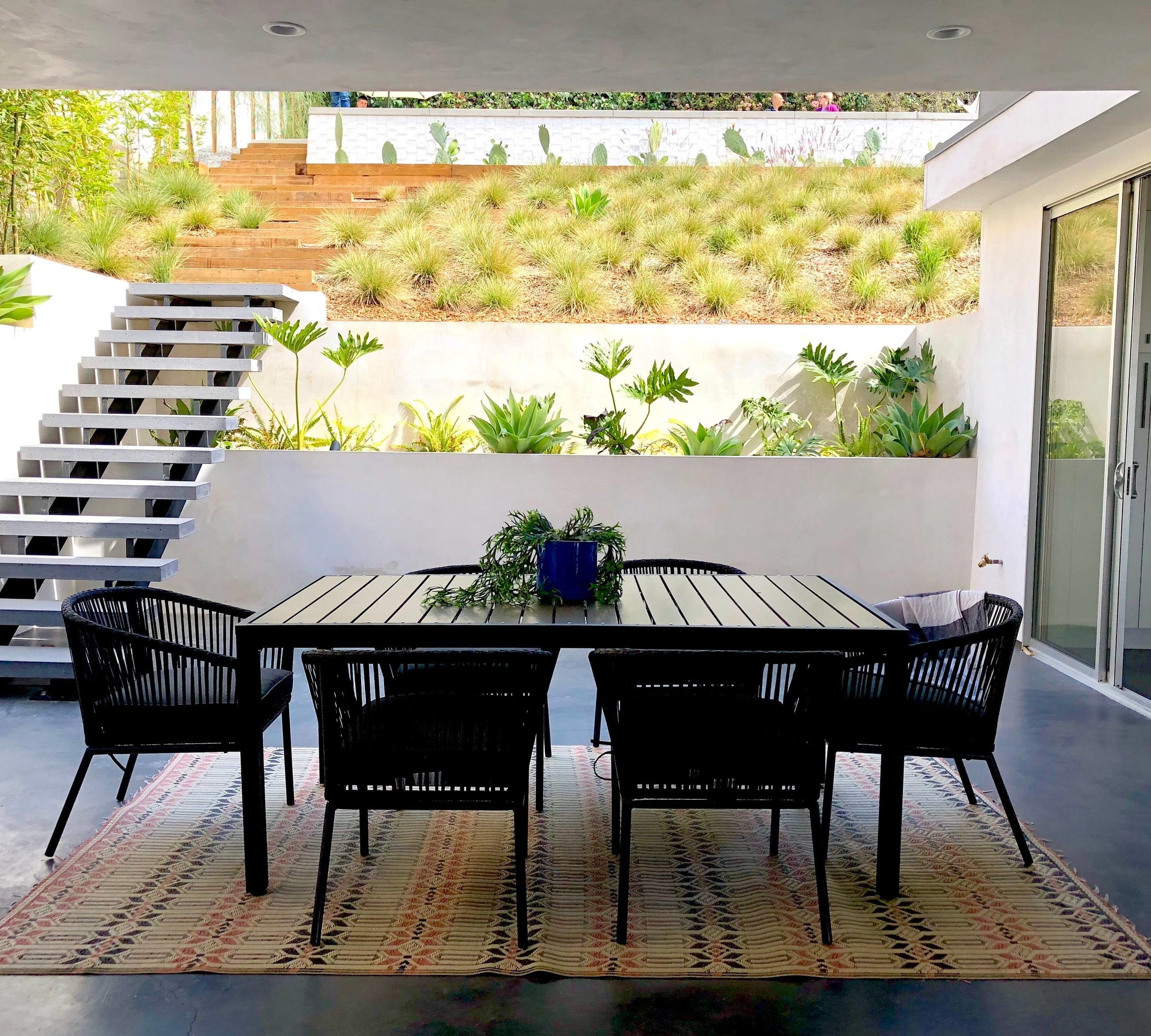 Covered outdoor dining area at Dwell on Design's home tours - Architect,  CHA:COL  #outdoordining #outdoorliving