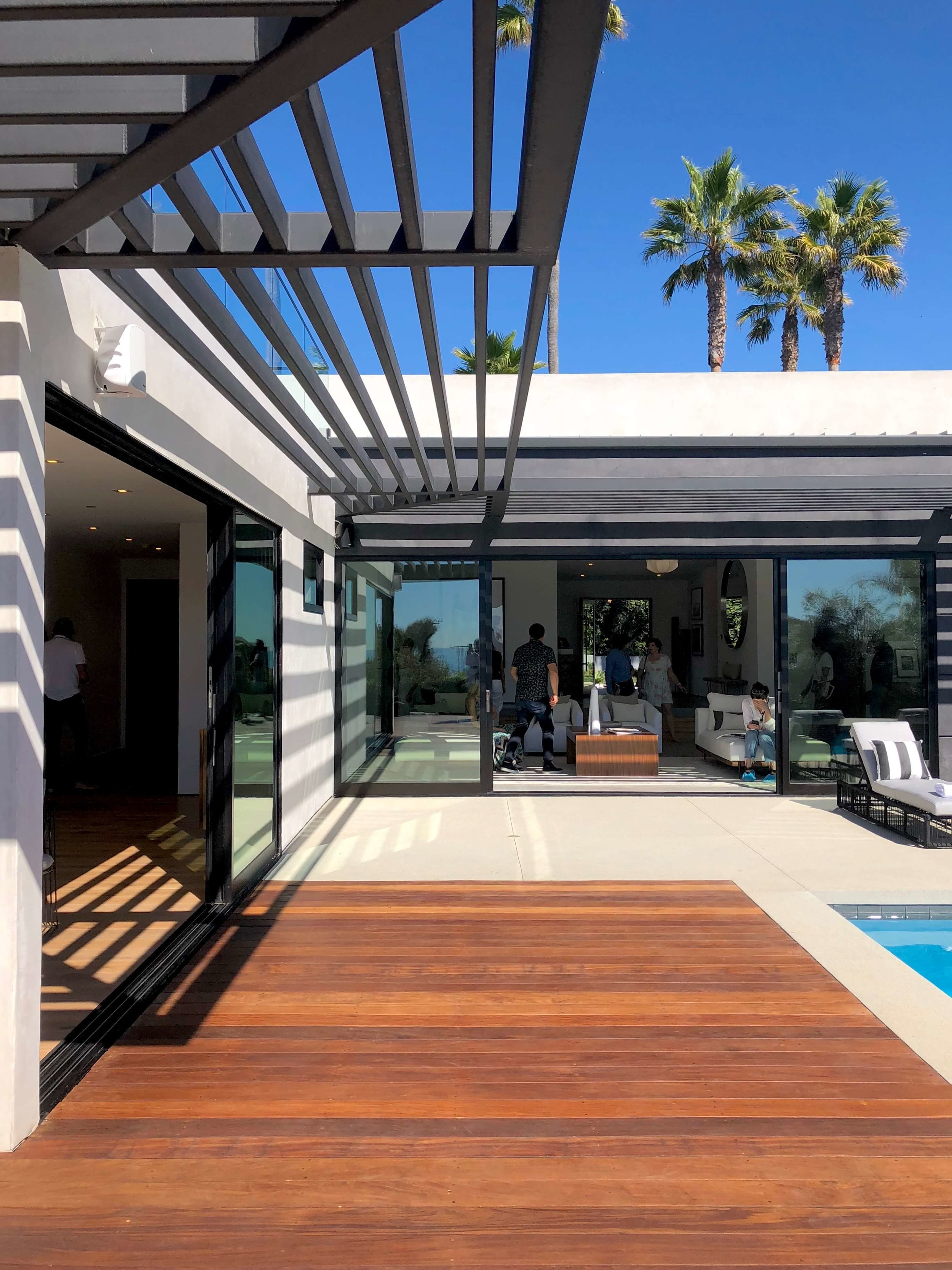 California contemporary home, Dwell on Design's Fall Home Tour, Designer: Vitus Matare #pergola #slidingdoors #patio