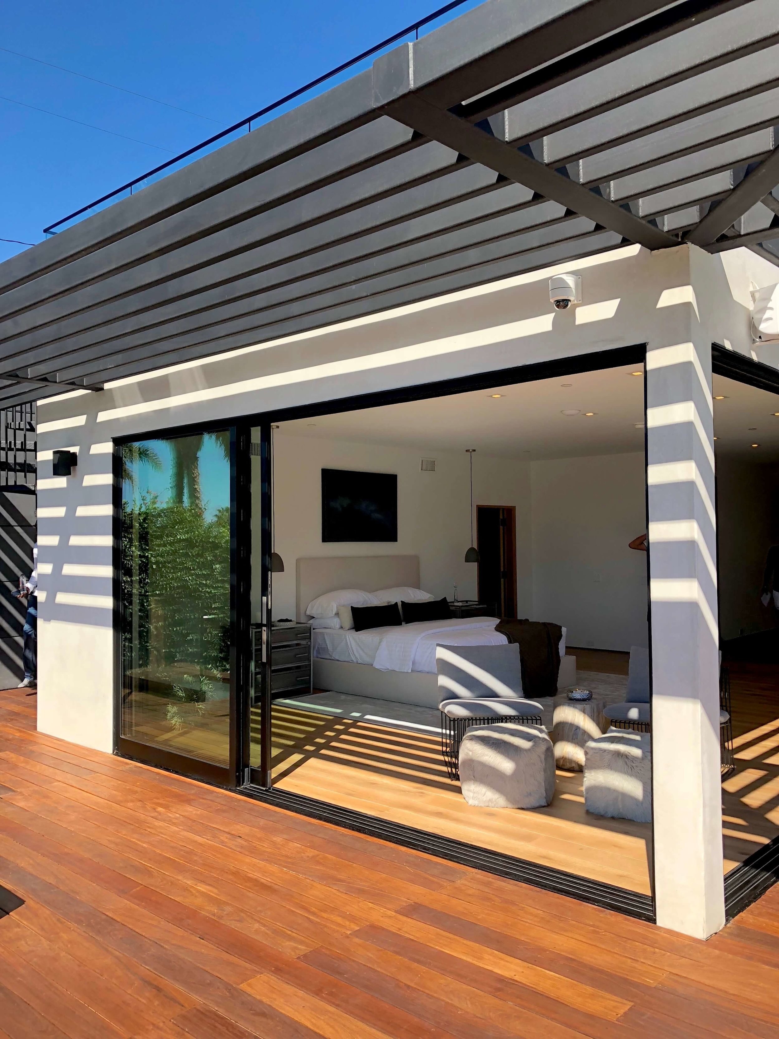 California contemporary home, Dwell on Design's Fall Home Tour, Designer: Vitus Matare #pergola #slidingdoors