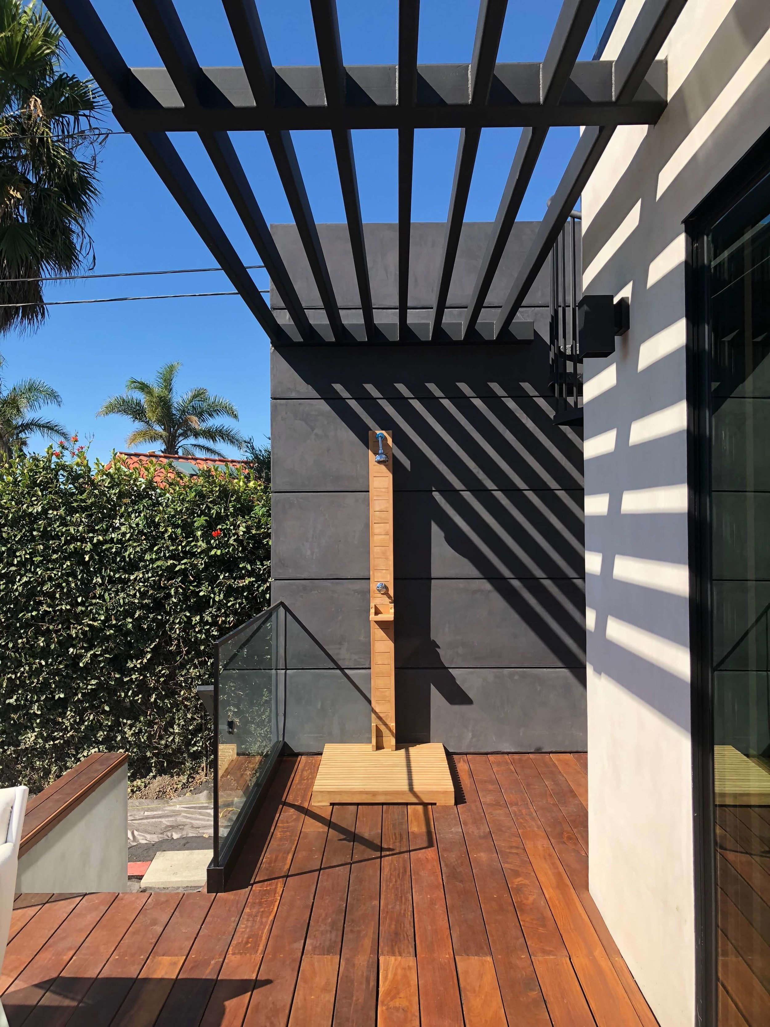 California contemporary home, Dwell on Design's Fall Home Tour, Designer: Vitus Matare #outdoorshower #pergola