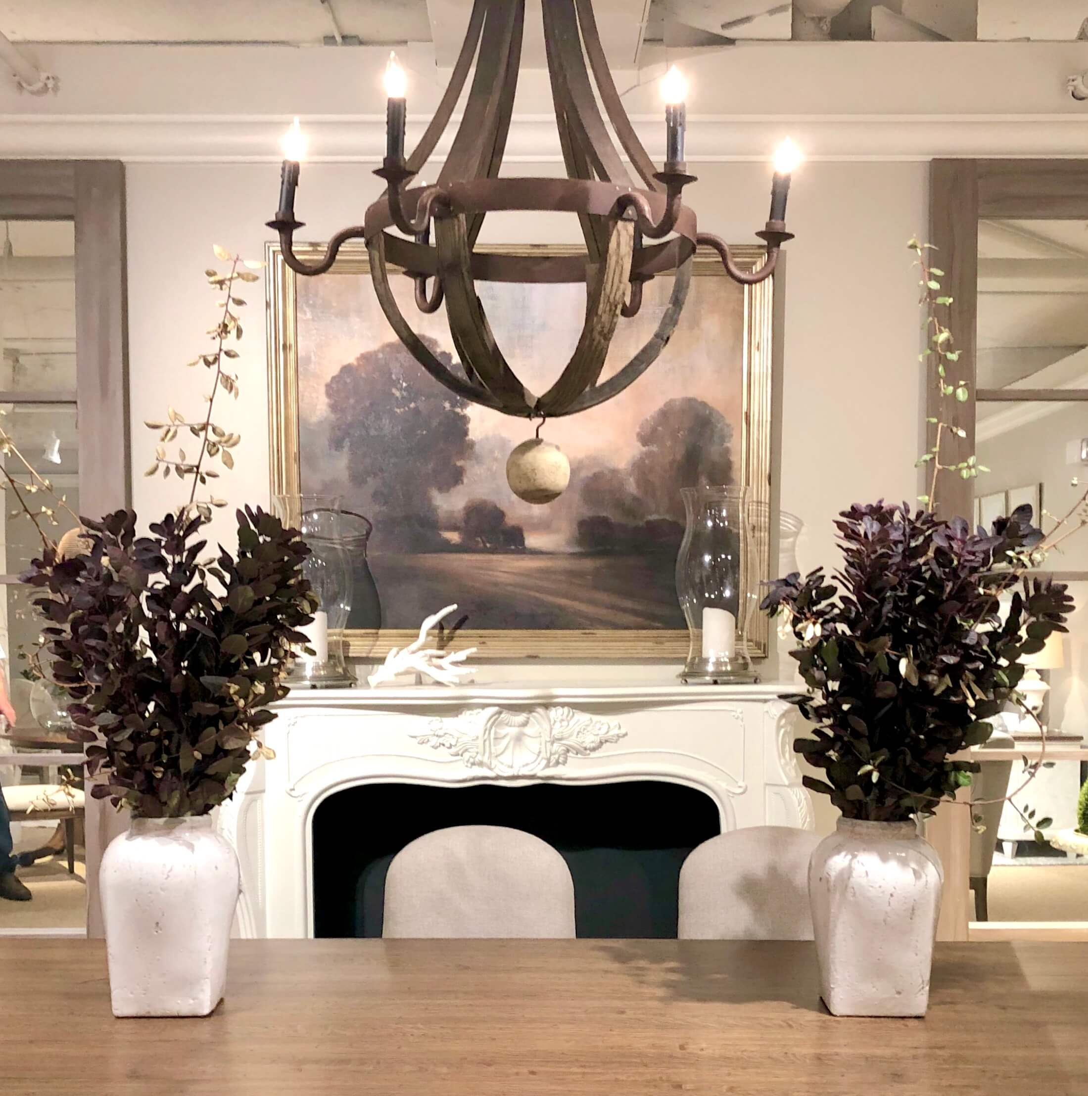 Dining room with fall flowers in the Stanley Showroom |#floralarrangement #fallflowers